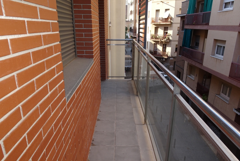 atico con terraza en alquiler en santa eulalia hospitalet de llobregat